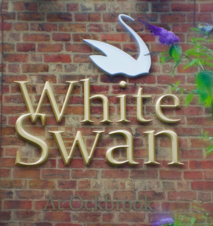 whiteswan.jpg